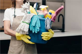 Book House Cleaning services in Bonney Lake