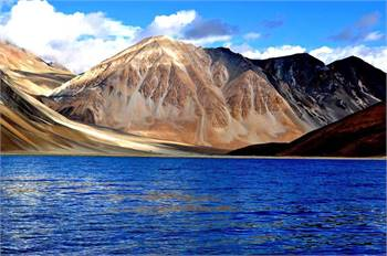 Explore Ladakh with Friends