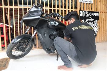 Car and bike services in Thoraipakkam