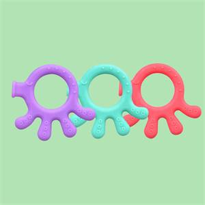 Hot Selling Price High Quality Eco Friendly Organic Palm Shape Baby Teether Ring Silicone Baby Chew