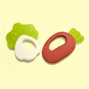 Competitive Price Carrot Mushroom Bpa Free Food Grade Baby Soft Chewing Teether Silicone Toys